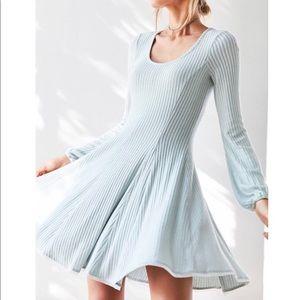 Ecote Topanga Dress DONATING SOON. MAKE AN OFFER